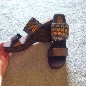 New Size 8M Brown Enzo Angiolini Wedged Heels